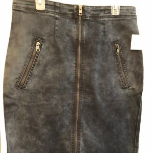 DKNY Jeans Zip-Front Washed Denim Skirt